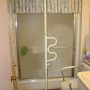 Adjustable grab bar