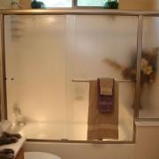 Sliding bypass shower door